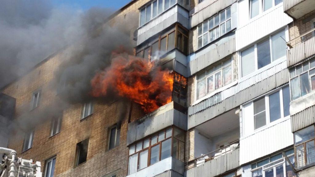Пожар нажелезнодорожном складе