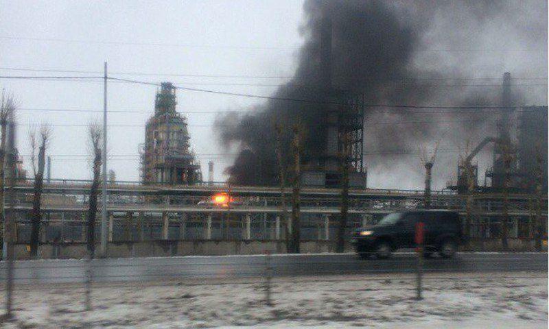 В итоге пожара наЯрославском НПЗ умер человек