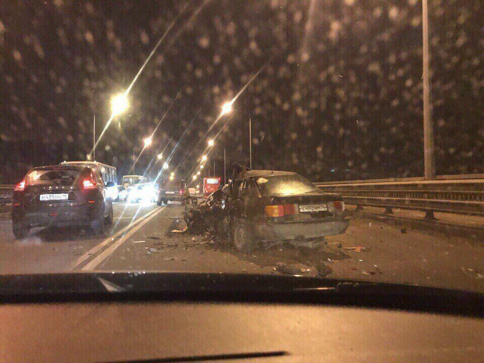 Водитель, спровоцировавший тройное смертельное ДТП наОктябрьском мосту, был нетрезв