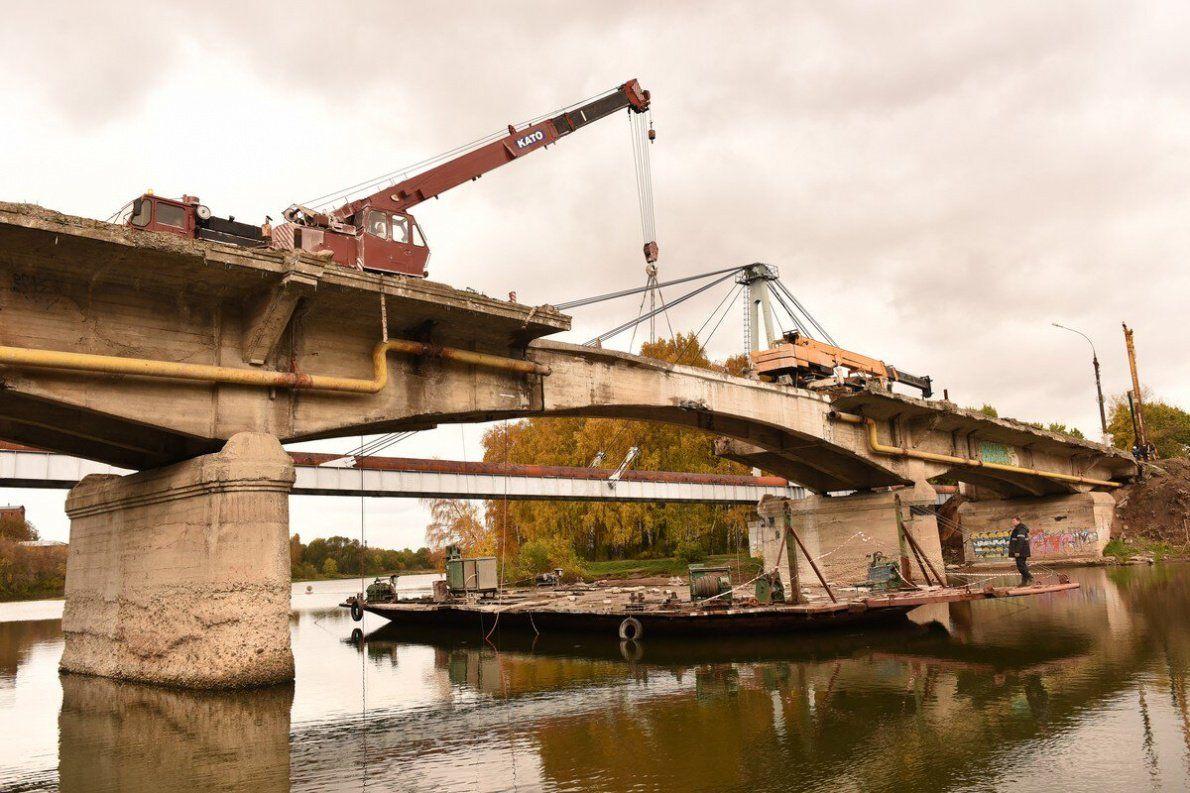 ВЯрославле начали демонтировать мост через Которосль