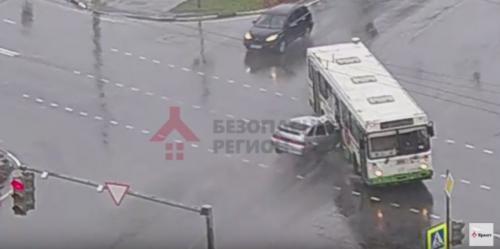 Видео развратные действия в автобусе фото 395-558