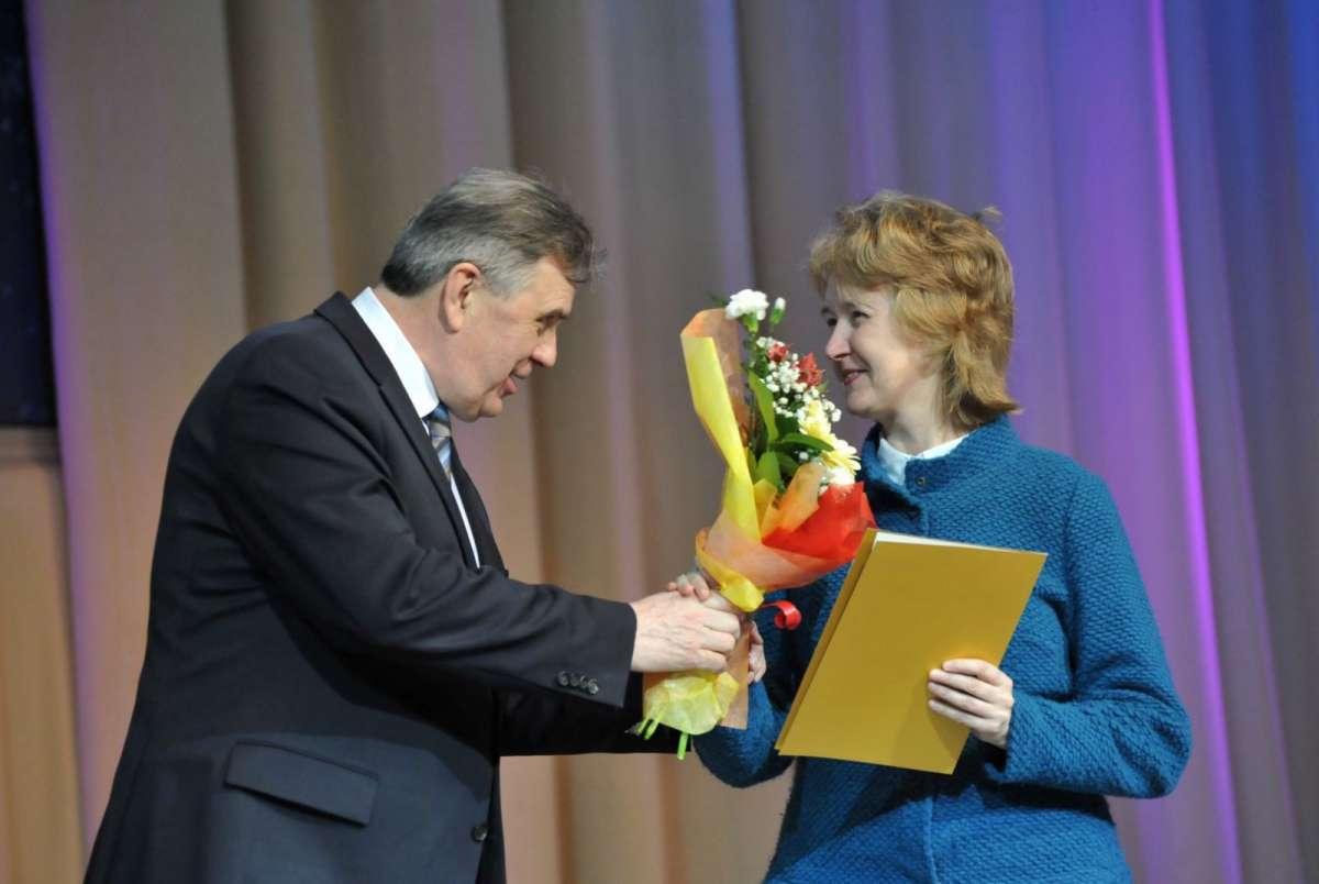день работника культуры поздравление губернатора близкие цвету