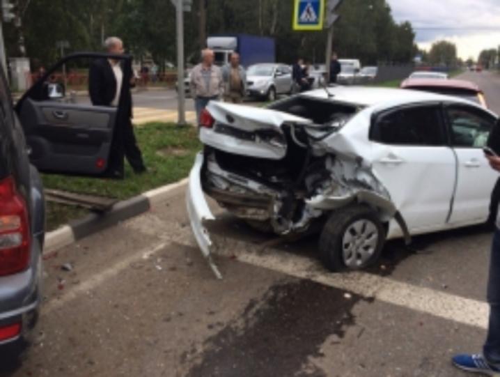 Крупная авария вЯрославле, столкнулись 4  автомобиля