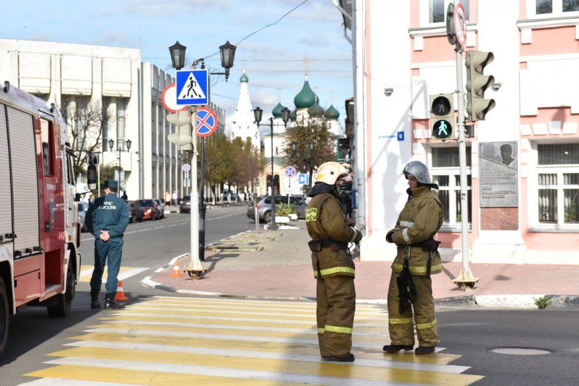 Звонки ссообщениями обомбах поступили из-за рубежа— руководство Ярославской области