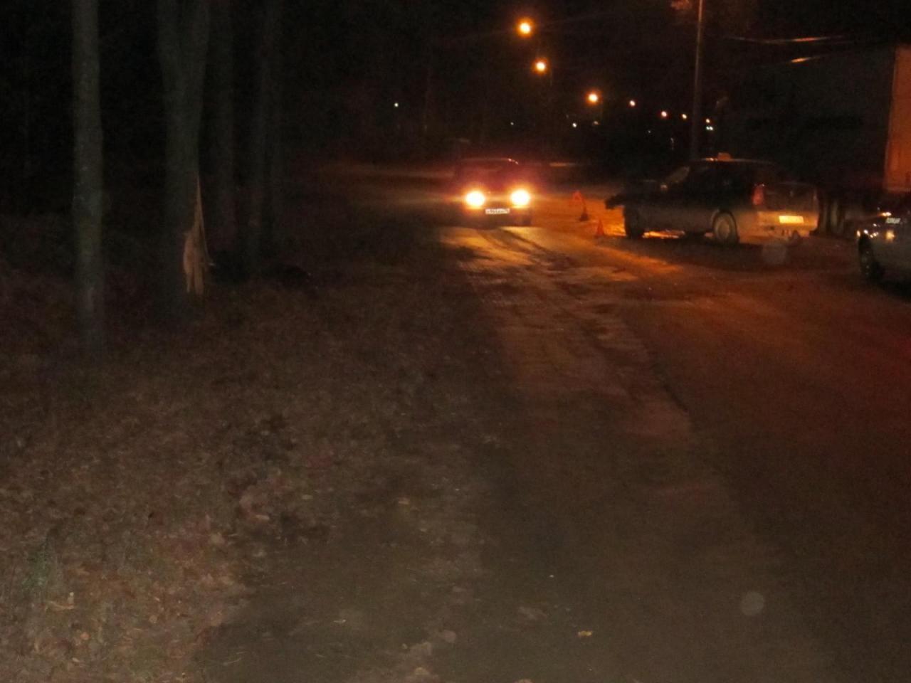 В Ярославле водитель такси «влетел» в дерево.