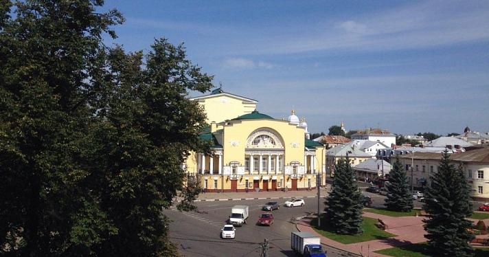 Владимир Машков иСергей Безруков выберут лучшую концепцию для Волковского театра